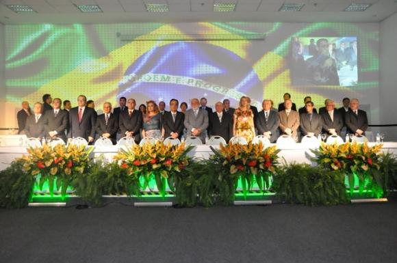 Unimeds e Unicreds comemoram sucesso de Convenção e destacam comparecimento maciço de lideranças.